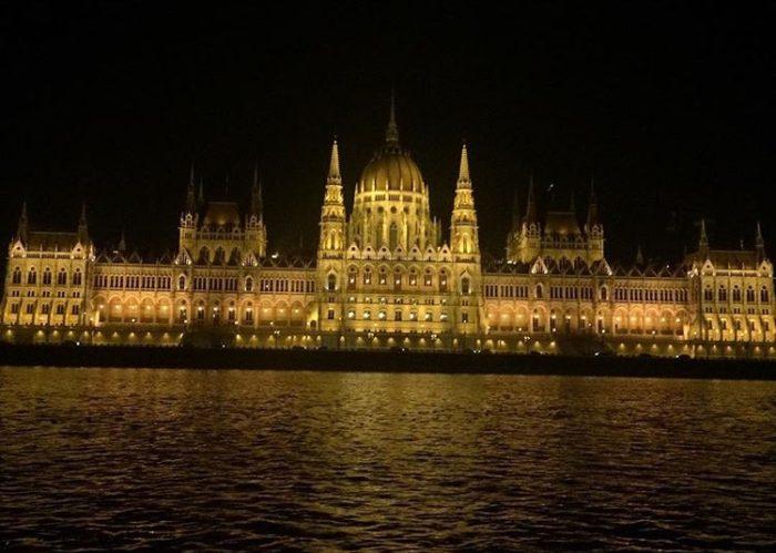 budapest-parliament-night