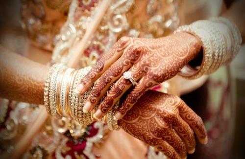 Marriage, henna hands