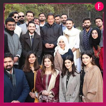 Group of men and women, pmik