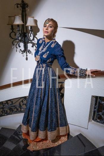 Eshal Fayyaz, Blue dress, jewelry, winters