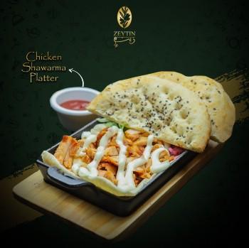 Shawarma platter, shawarma, naan, turkish food