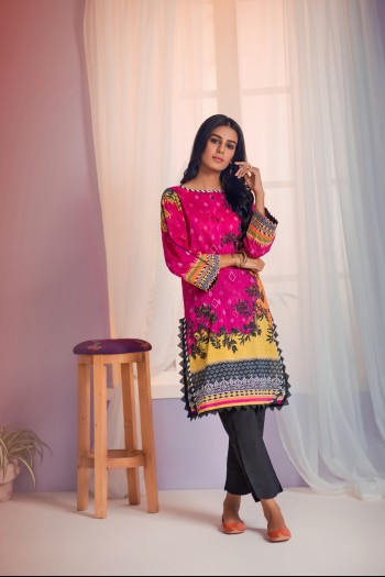Magenta Kurti with black trousers