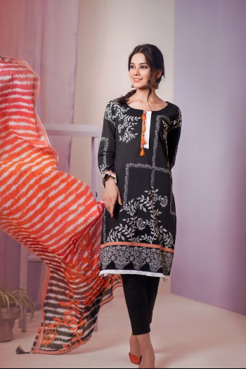 Black suit with red dupatta