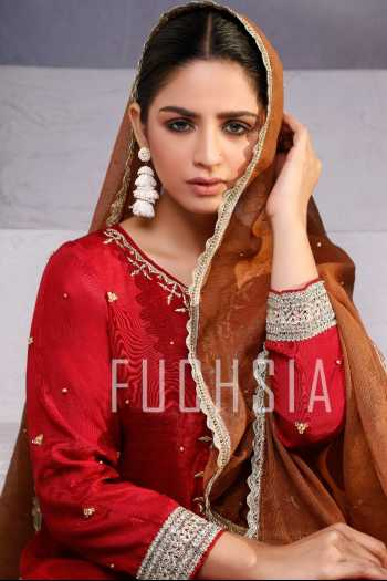 hira soomro, red kameez, bushra, summer