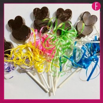 heart shaped chocolate, Valentine's special, chocolate on sticks
