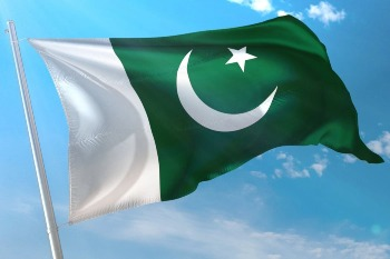 pakistan flag, green and white, crescent, moon