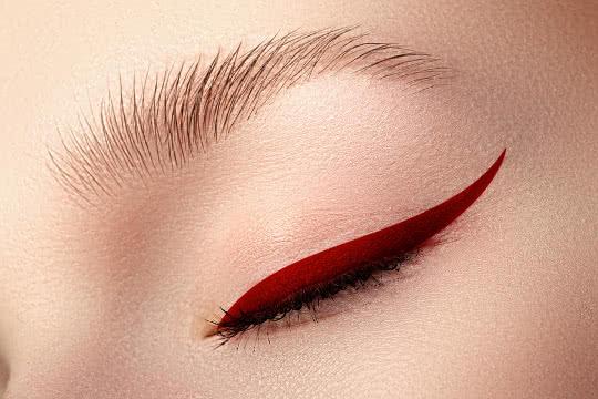 jewel toned eyeliner, winged eyeliner,