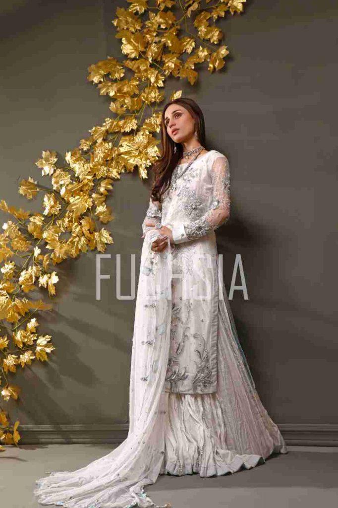 mashal khan, actress, model, drama, fashion shoot, womenswear, festive wear, formal wear, mona imran, designer, photoshoot, jhoomar, jhumka, hathphool, necklace, white attire, traditional jewelry, walima look