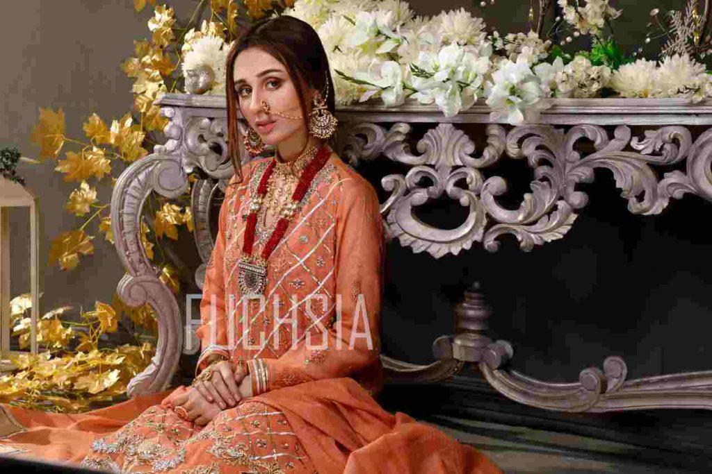 mashal khan, actress, model, drama, fashion shoot, womenswear, festive wear, formal wear, mona imran, designer, photoshoot, jhoomar, jhumka, hathphool, necklace