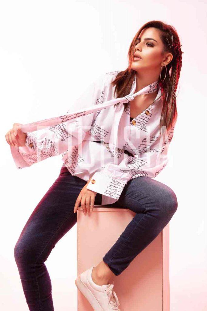 Hina Ashfaq, cover shoot, yours truly pk