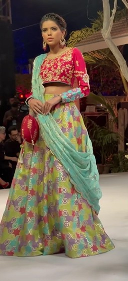 sana abbas showcasing her bridal collection at fpw, fpw 2021