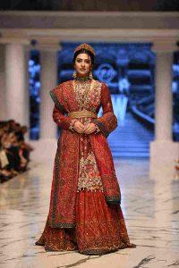 sarah khan in huma adnan, ramp walk, bridal, fashion week