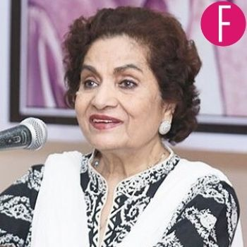 haseena moin, dhoop kinaray, henna, ankahi, tanhaaiyaan, poet, playwright, writer