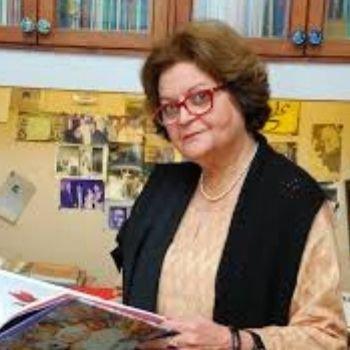 Salima Hasmi Picture