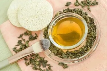 green tea for face, skincare, green tea for blemishes and acne