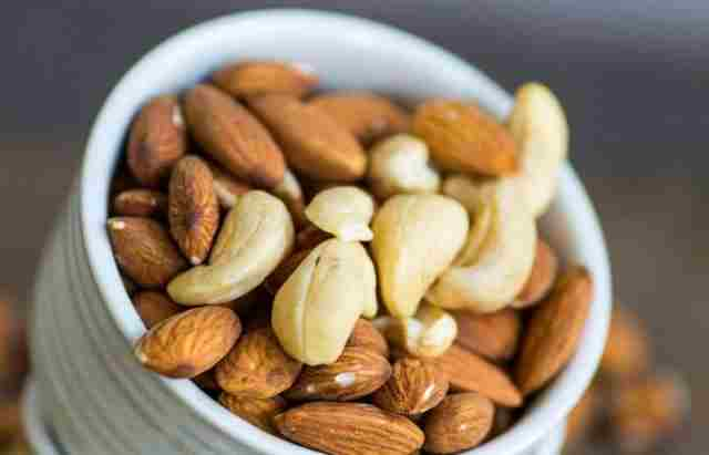 Almonds and cashew