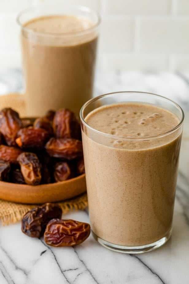 Milkshake, banana, chocolate, caramel, dates, fruits, ramzan, iftar