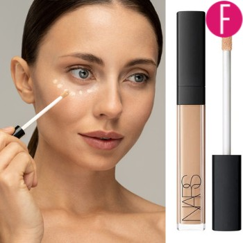 applying concealer, makeup
