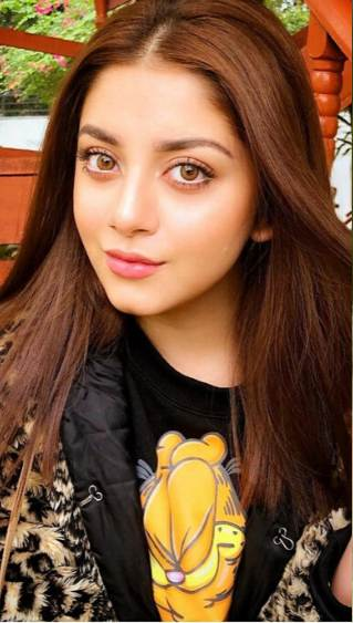 alizeh shah, makeup, eyeliner inspo