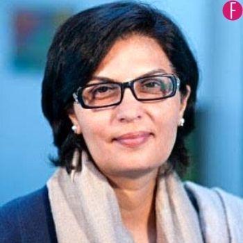Pakistani women, digital media
